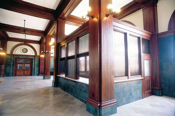Hull restored the millwork throughout this Santa Fe depot house, originally built in 1910. Photo credit: www.brenthullcompanies.com